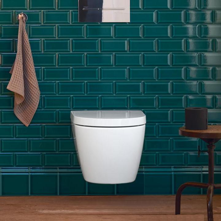 Pusse opp badet med vegghengt toalett