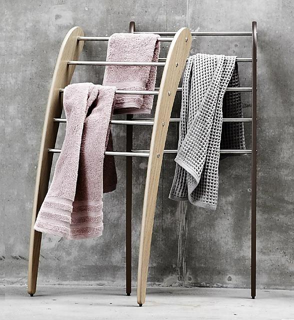 Håndklær på tilpasset stativ