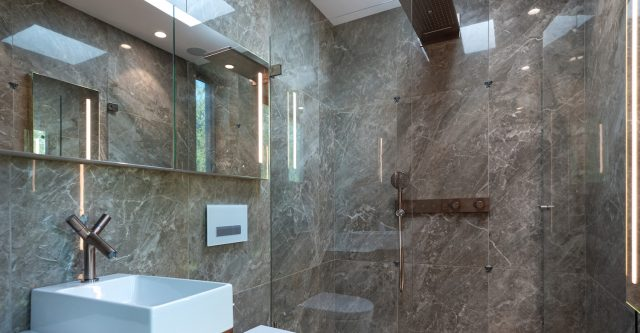 AXOR på badet ShowerSolution fra AXOR børstet rosegull